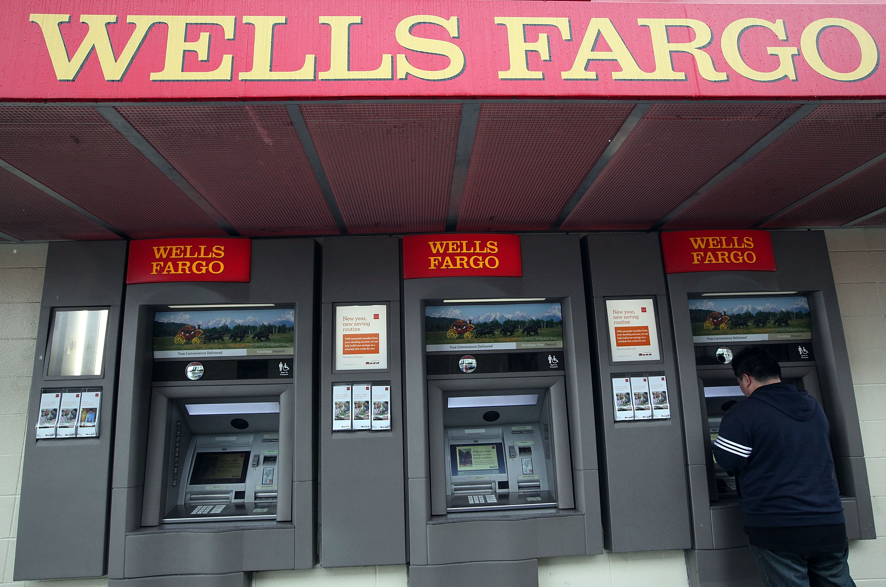 Wells Fargo Moves Bank Based Brokers Under Advisors Leadership