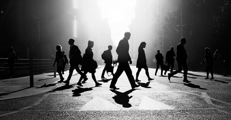 buisnesspeople-walking-in-street.jpg