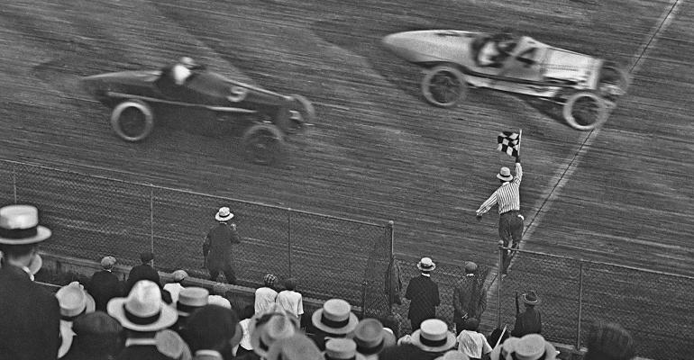 car-racing-bw-checkered-flag.jpg