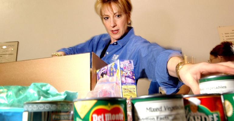 HP CEO Carly Fiorina food drive