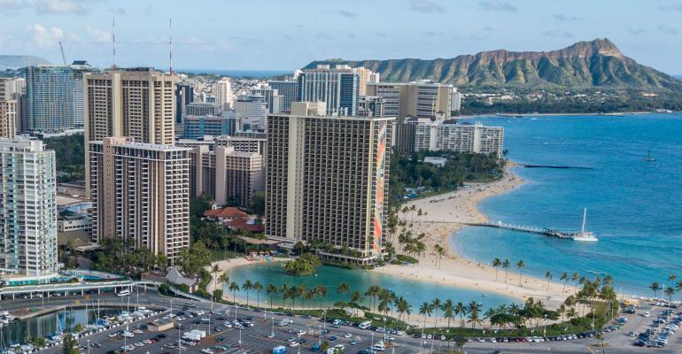 Hilton-Hawaiian-Village-hotel.jpg