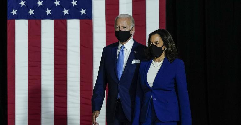 joe-biden-kamala-harris-american-flag.jpg