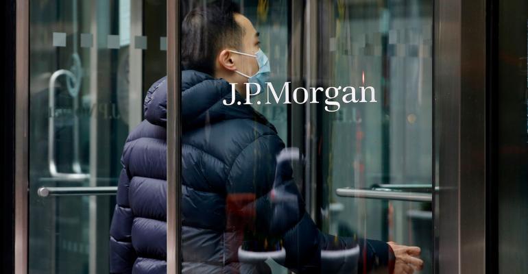 jpmorgan-entrance.jpg