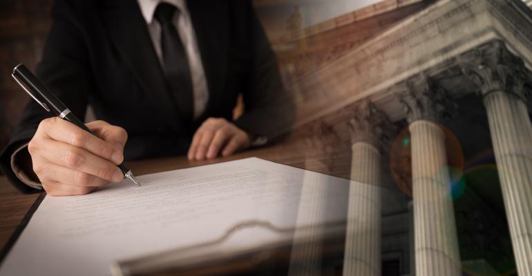 lawyer-signing-contract-utah778.jpg