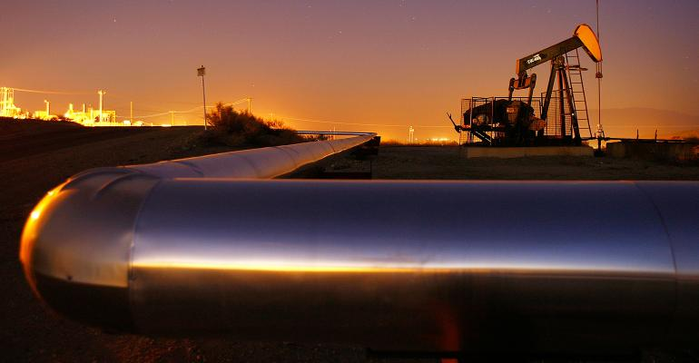 oil pipeline and rig