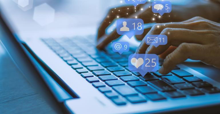 social-media-digital-marketing-Urupong.jpg