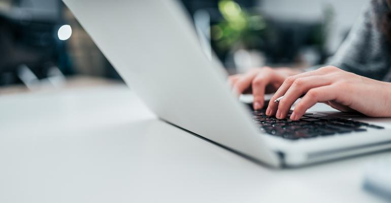 typing-computer-blog.jpg