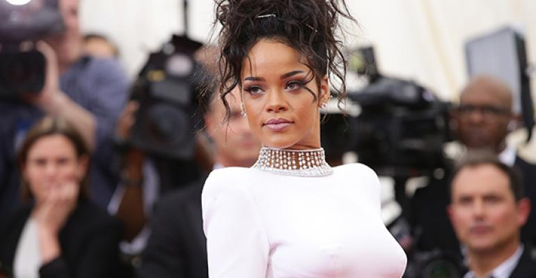 "Rihanna ""Hot"" Because ""Not Too Dark"" - Family Office"