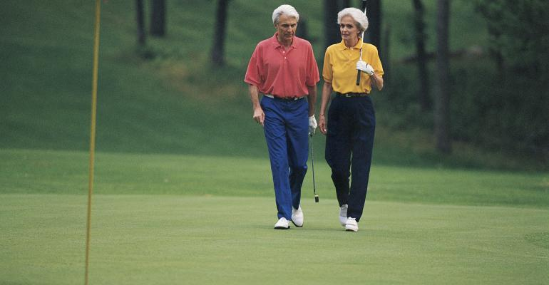 retirees golfing