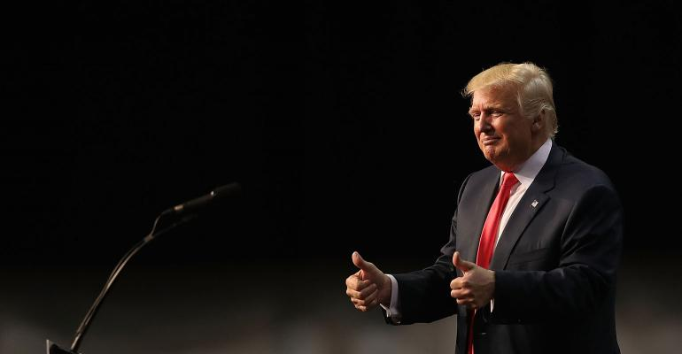Donald Trump two thumbs up