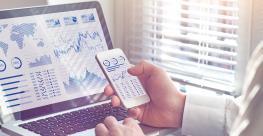smartphone-computer-finance-data.jpg