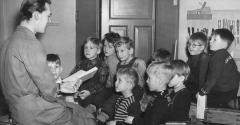reading story to children