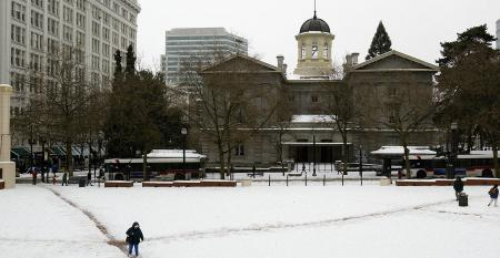 Oregon Pioneer Courthouse square