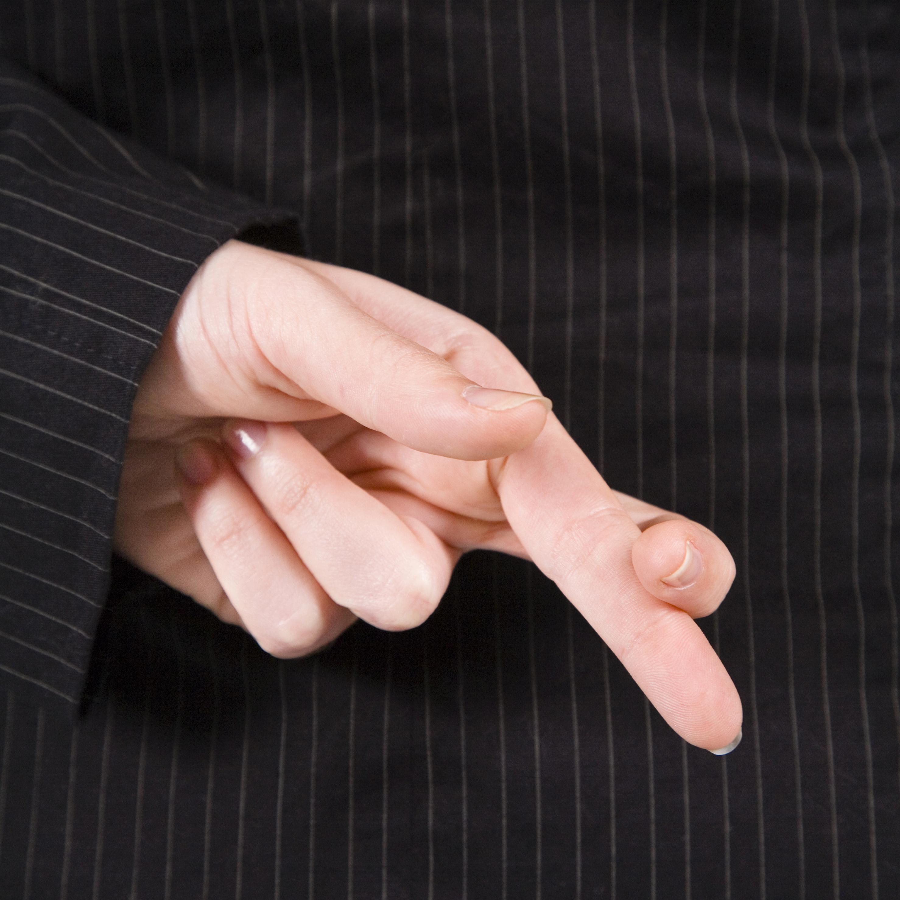 картинка скрестил пальцы