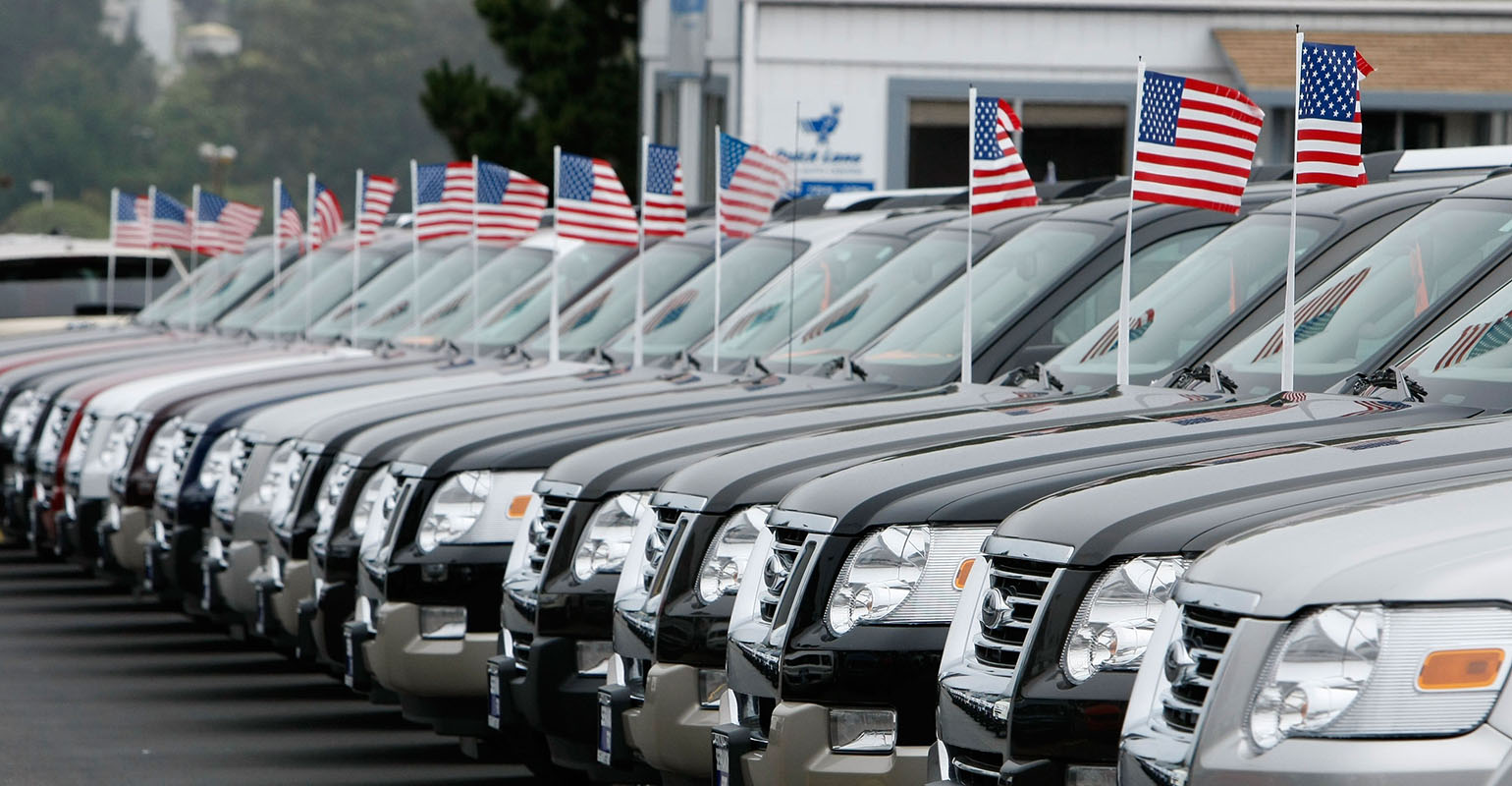 Danger of Sell-off in U.S. Stocks Grows as Auto Sales Disappoint
