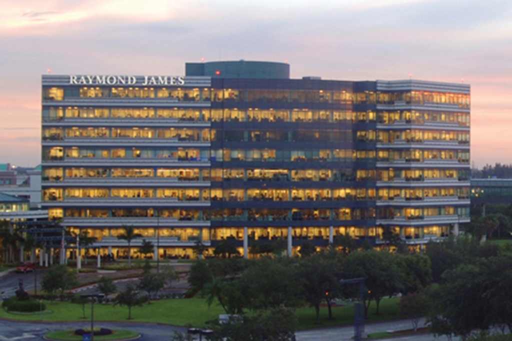 Raymond James Seeks Fee Clawbacks on Mutual Fund Sales ...