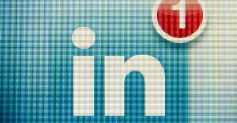 Crafting an Eye-Catching LinkedIn Headline